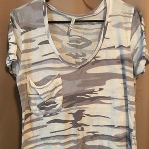 Z Supply Camouflage t-shirt